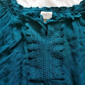 St. John's Bay Tops - St John's bay teal flowy top in a size medium